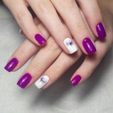 Manicure con semipermanente presso Glamour