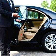 Chauffeur Driven Car Service in London