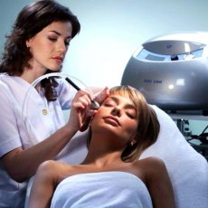 Services of cosmetologist