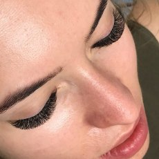 Eyelash extensions mobile all London