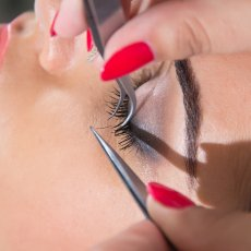 Mobile Qualified and Certified Eyelash Extensions