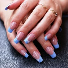 Limited Free Mobile Manicure - Qualified Manicurist