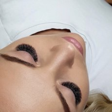 Lash and Brows studio based in London's vibrant Covent Garden