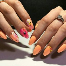 MOBILE Nails / Manicure + gel polish