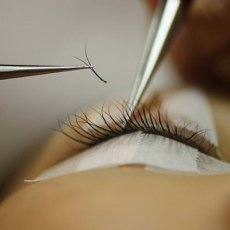 Eyelash extension & lash lift
