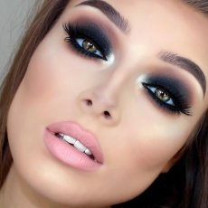 Makeup artist and Hairstylist in north london £50 only makeup offer!