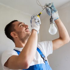 Domestic, commercial & industrial electricians