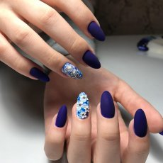 Shellac Manicure in Central London