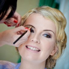 Mobile Hair & Make up artist